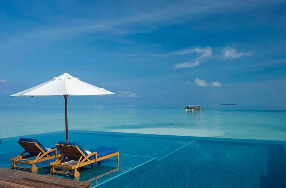 Conrad Maldives Resort e Spa - Piscina infinita.